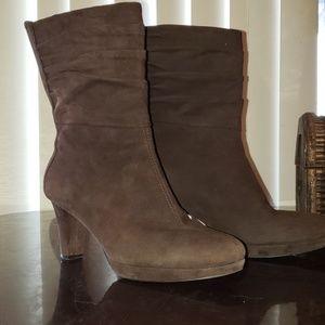 "Easy Spirit Boots ""Esclarice ""  Size 6M"